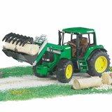 Bruder traktor 13212  Cene