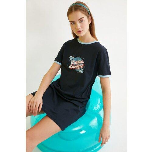 Trendyol Pletena haljina s tamnoplavim otiskom crna  Cene