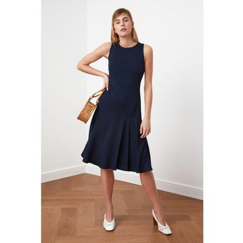 Trendyol tamnoplava haljina s zamašnjakom  Cene