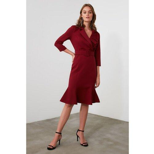 Trendyol haljina s zamašnjakom od pojasa od Burgundije  Cene