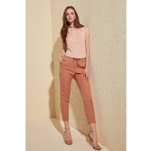 Trendyol Ženske hlače Detaljno bijele | smeđa | pink  Cene