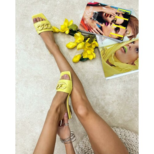 Hop Hop ženske saten sandale sa brošom - crne  Cene