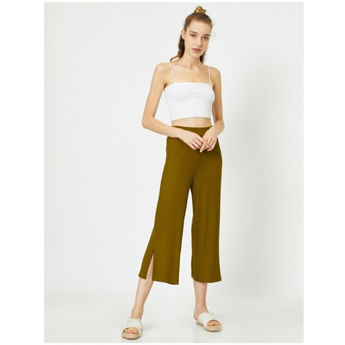 Koton Ženske zelene hlače s kratkim nogama i normalnim strukom  Cene