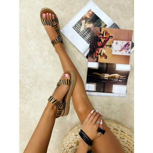 Hop Hop 16696 - ženske sandale alayah - zebra  Cene